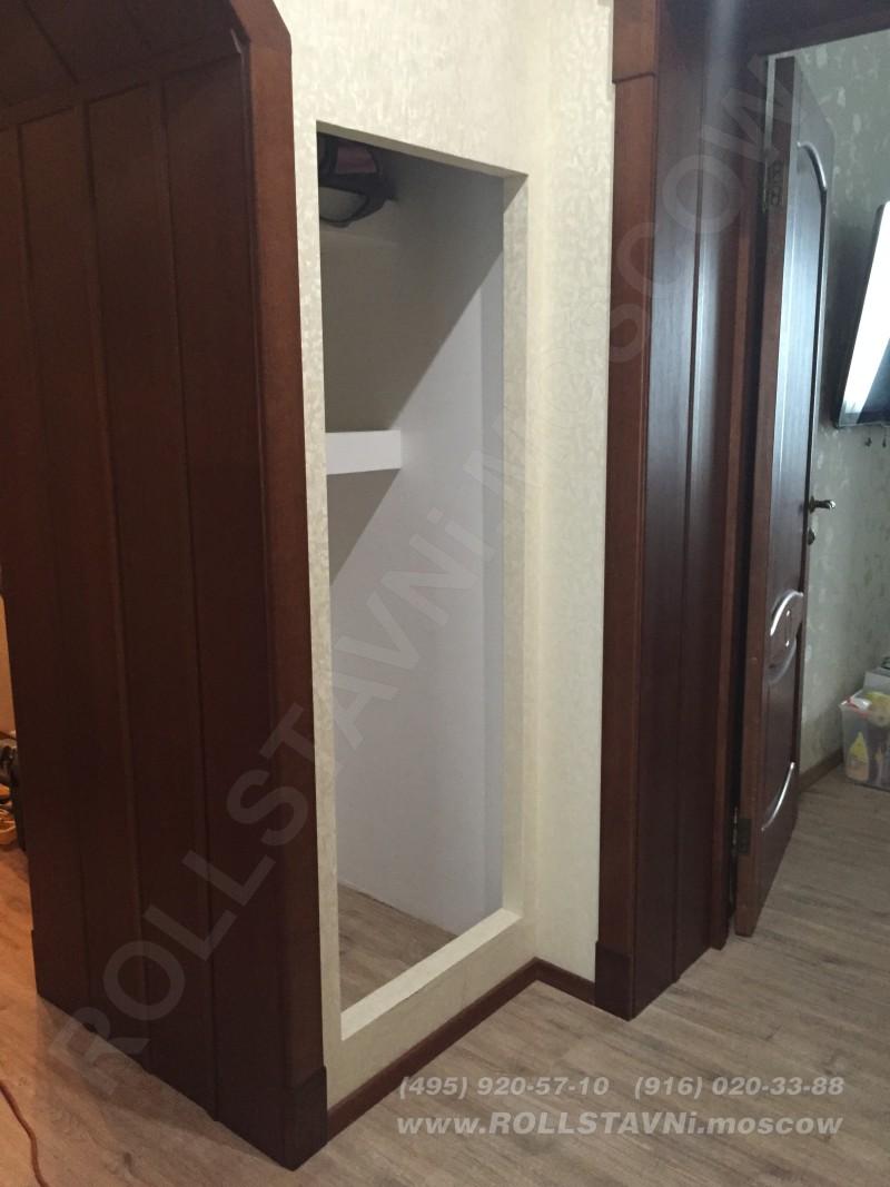 Проем для монтажа роллетной двери в кладовке