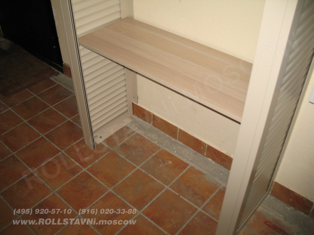 способ крепления роллетного шкафа к стене