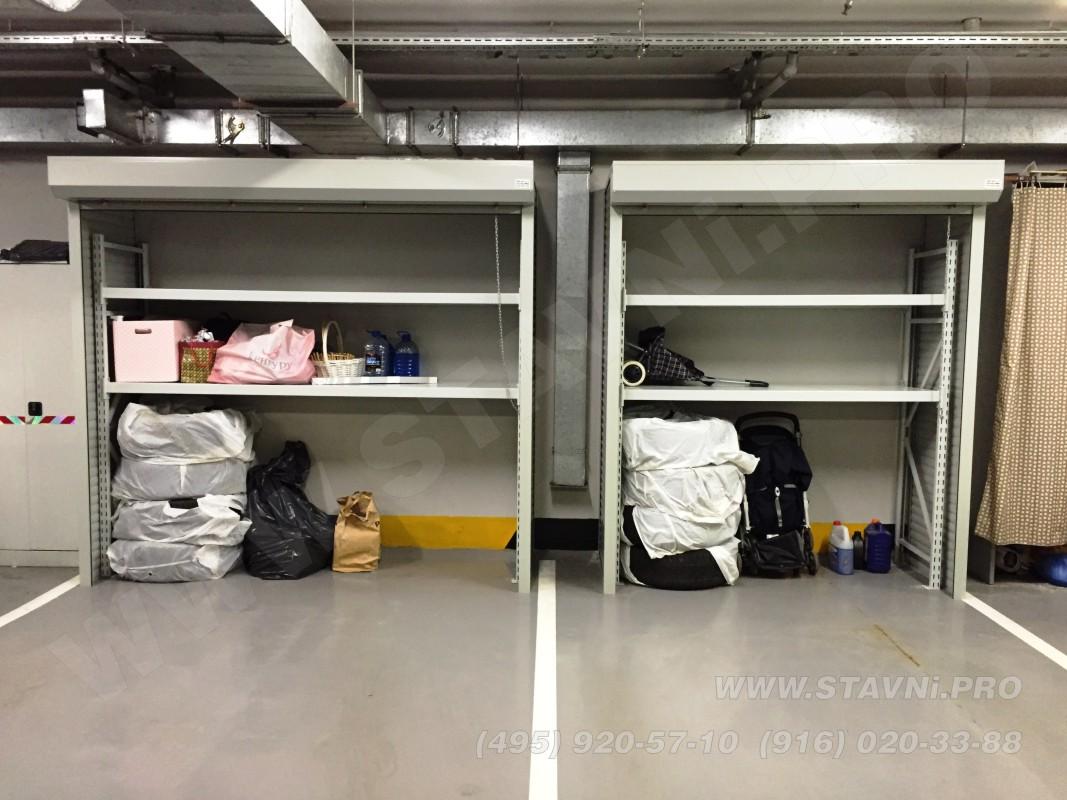 Два открытых шкафа с рольставнями в подземной автостоянке