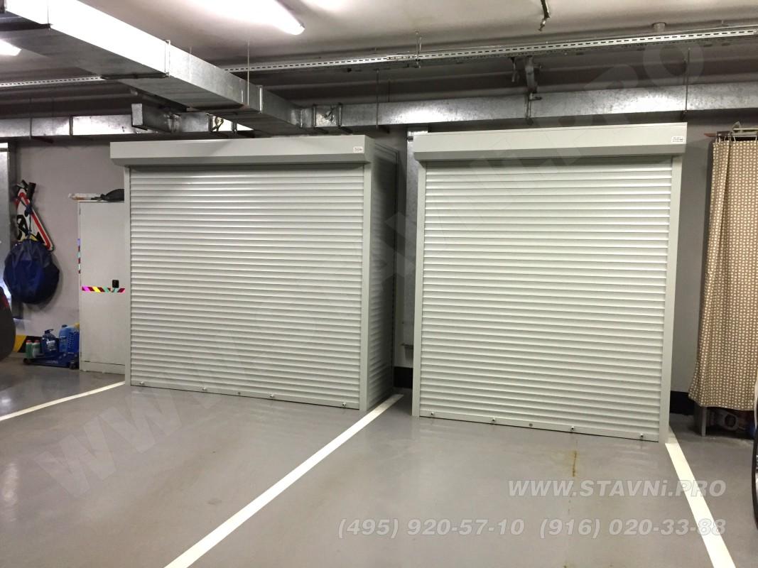Два шкафа с рольставнями в подземном гараже