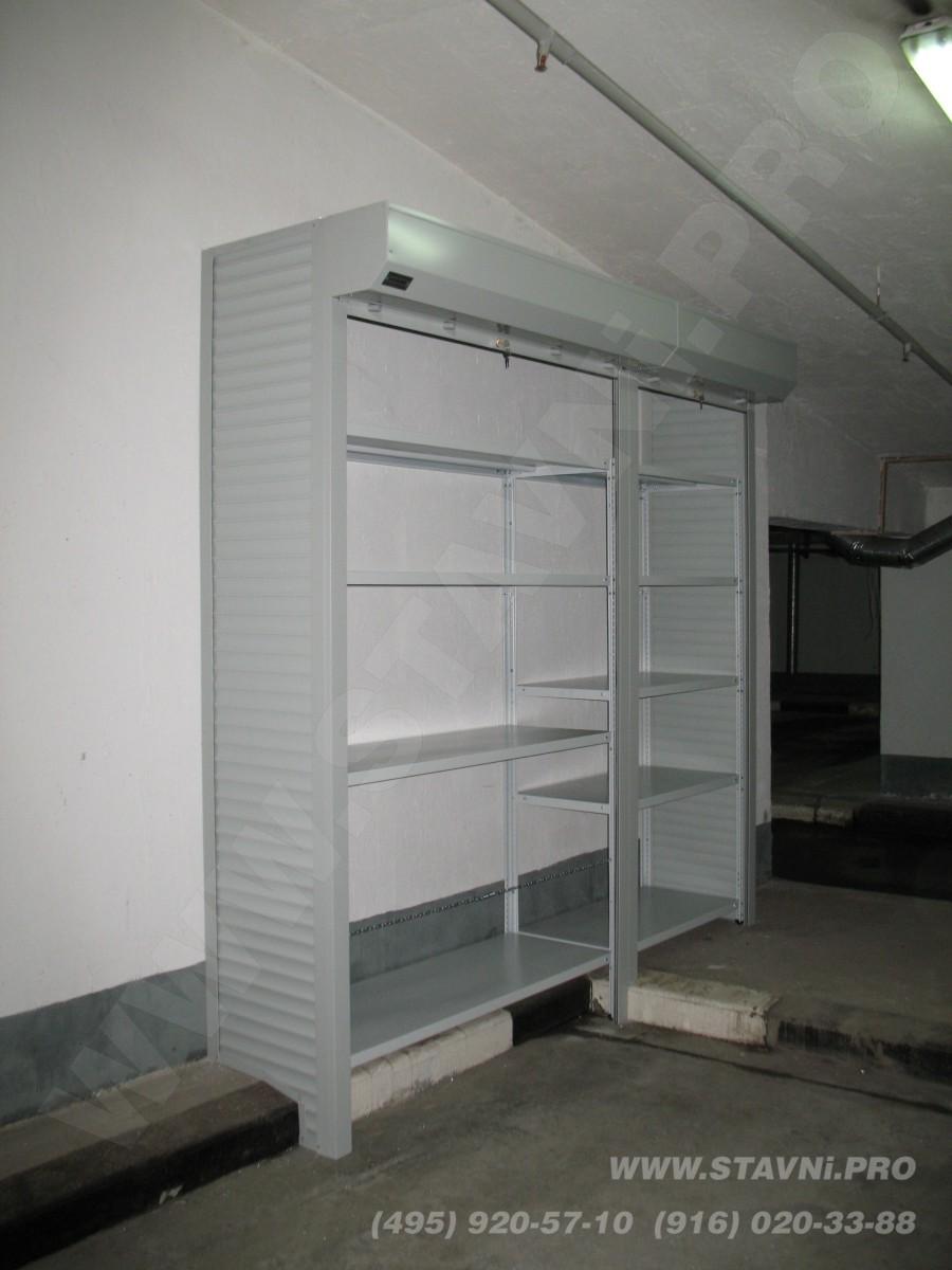 Шкаф металлический в паркинге