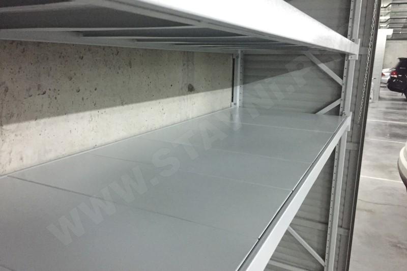 усиленный стеллаж в роллетном шкафу