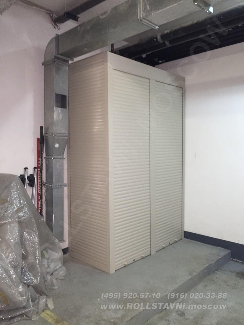 эскиз узкого шкафчика в подземном паркинге