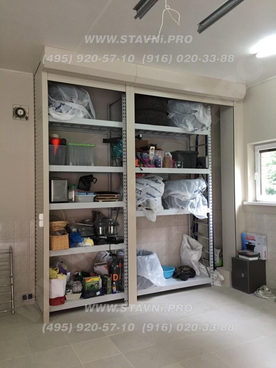 Шкаф с электрическими рольставнями в гараже
