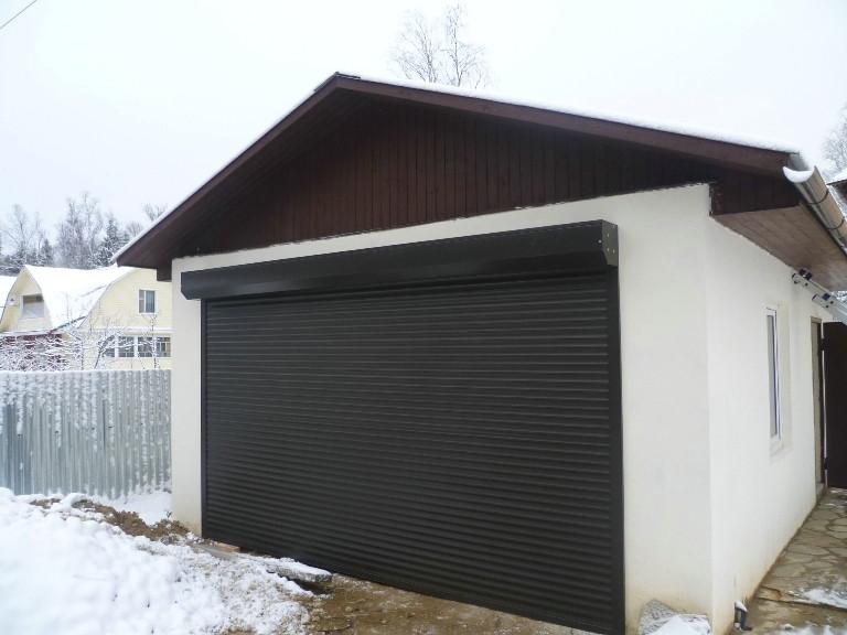 Рулонные ворота для гаража с автоматическим управлением и пультом ДУ