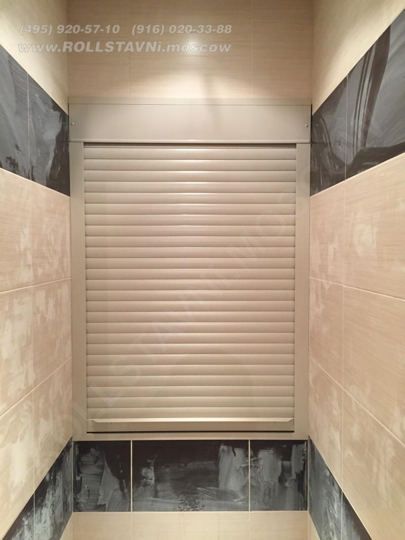 установленная роллета в туалете в долгопрудном