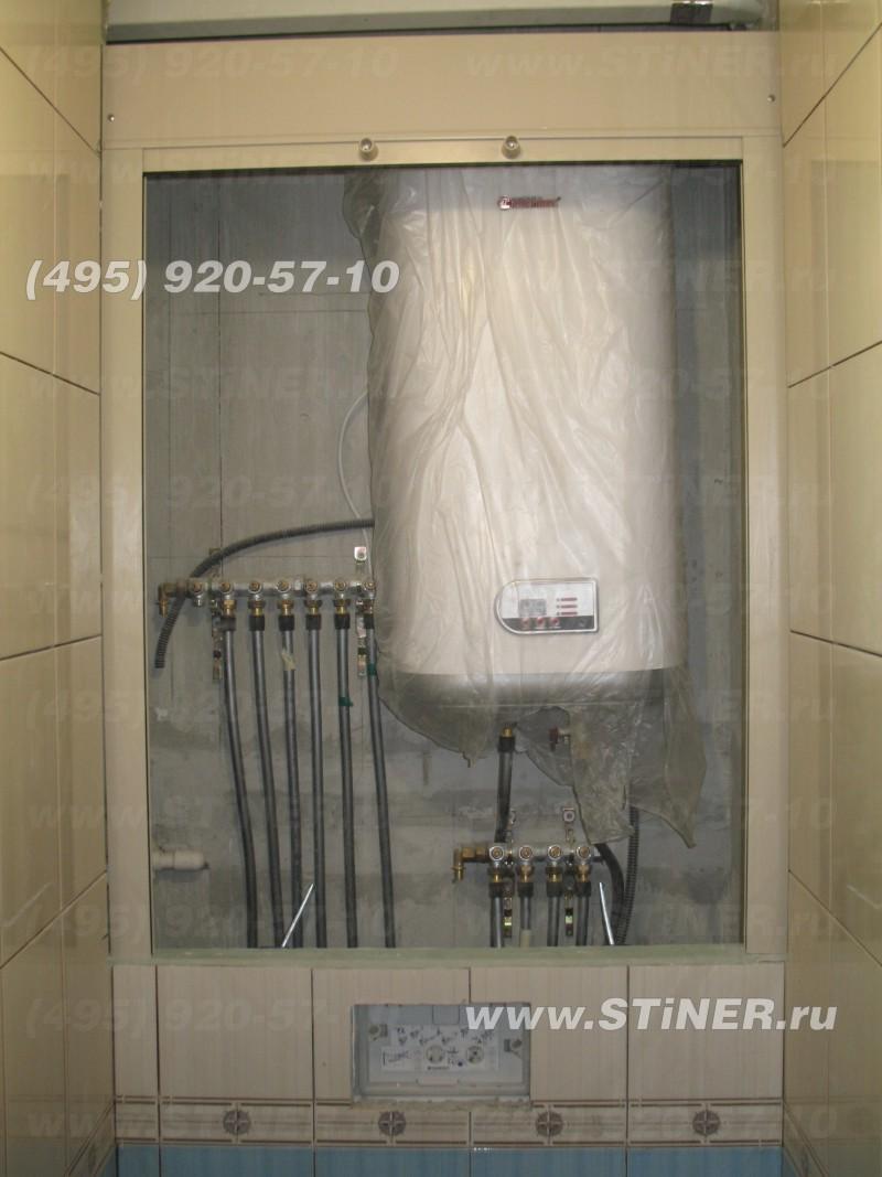 установленная туалетная рольставня в открытом виде
