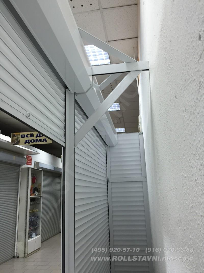 центральная стойка рольставней шкафа с роллетами в красногорске