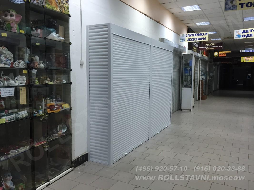 закрытый шкаф торговый в магазине красногорска