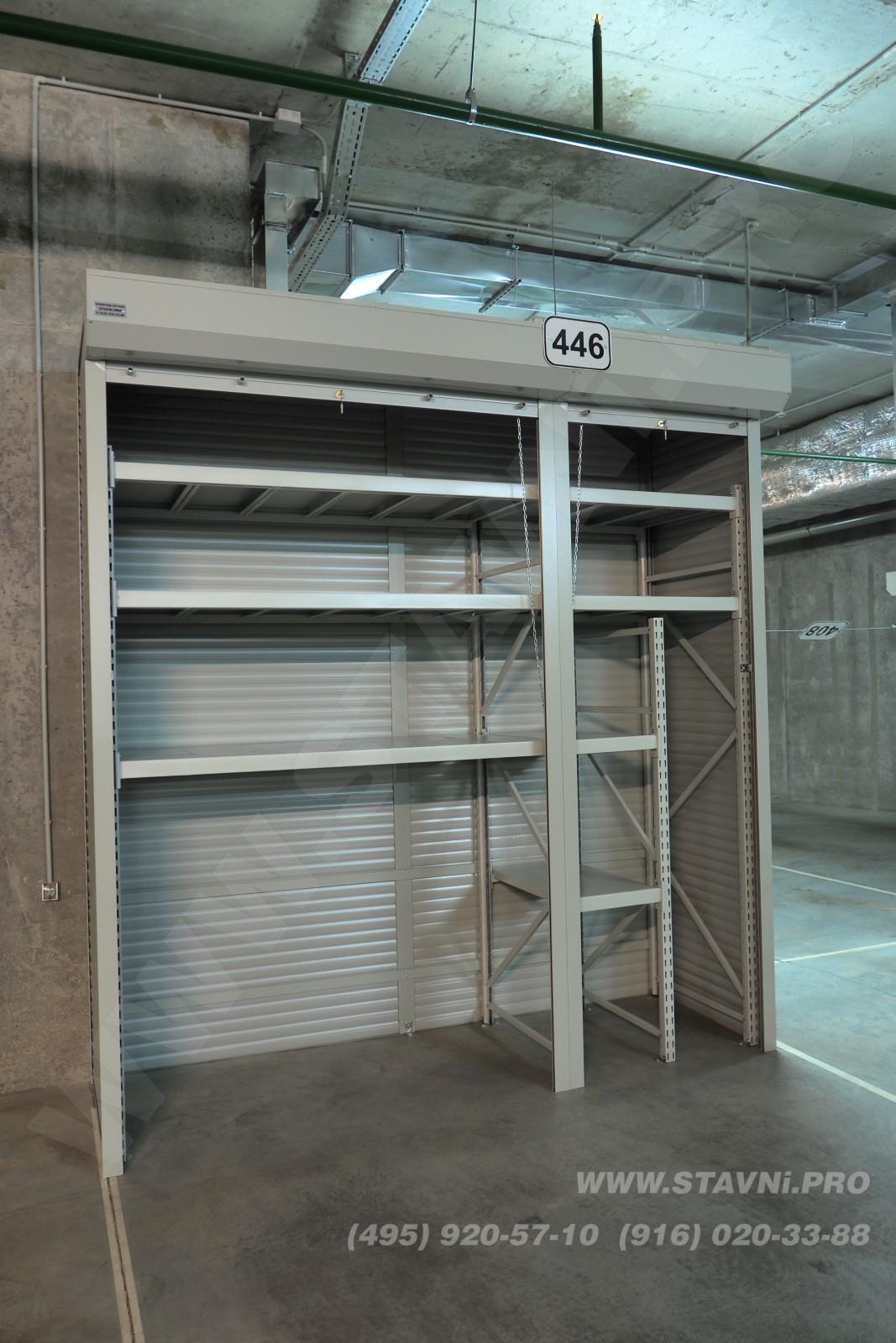Фото установленного шкафа для колес в Скайфорте вид слева